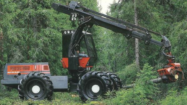 Valmet 901 forest machine from 1984